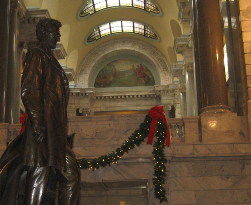 Abraham Lincoln Statue in Hall of Statues of other Famous Kentuckians